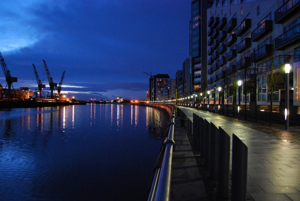 The River Clyde at night